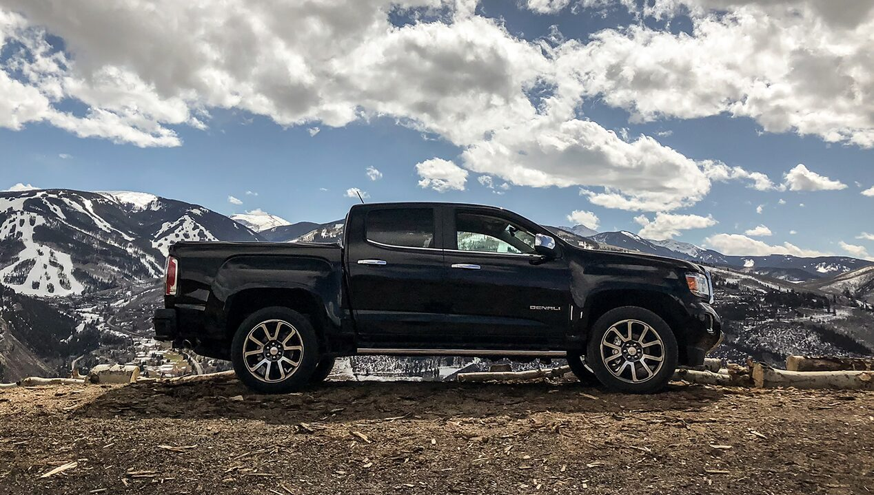 Explore the 2018 GMC Canyon small pickup truck.