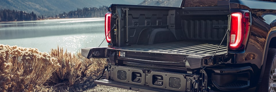 GMC MultiPro Tailgate Audio System Medium View