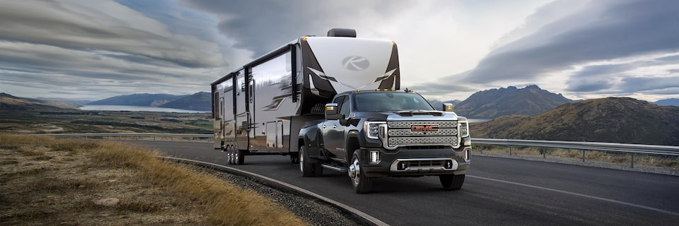 GMC Life six tips for safe trailering article.