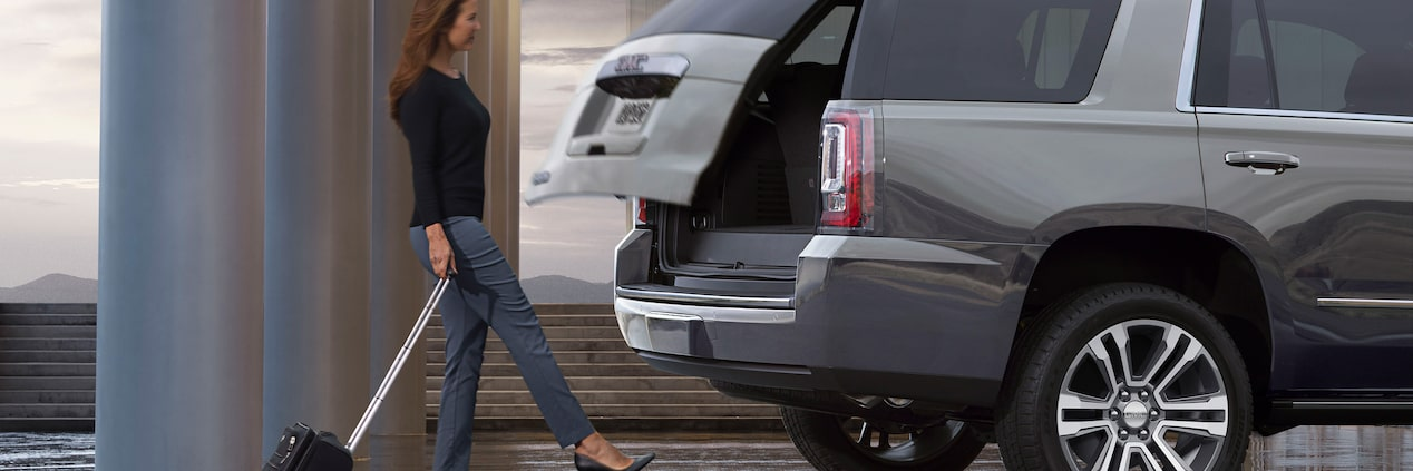 GMC Yukon with Handsfree Liftgate