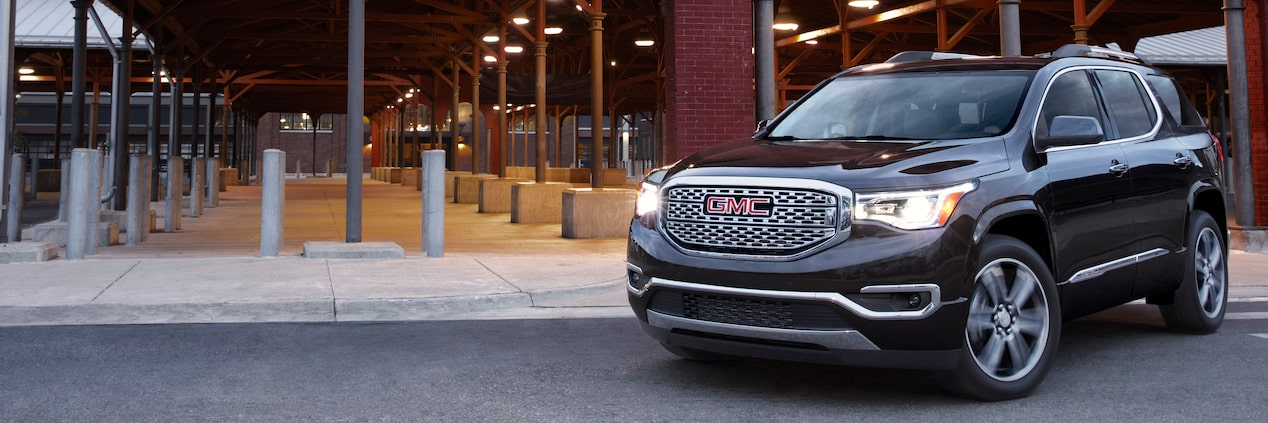 GMC Acadia Head to Head Front View