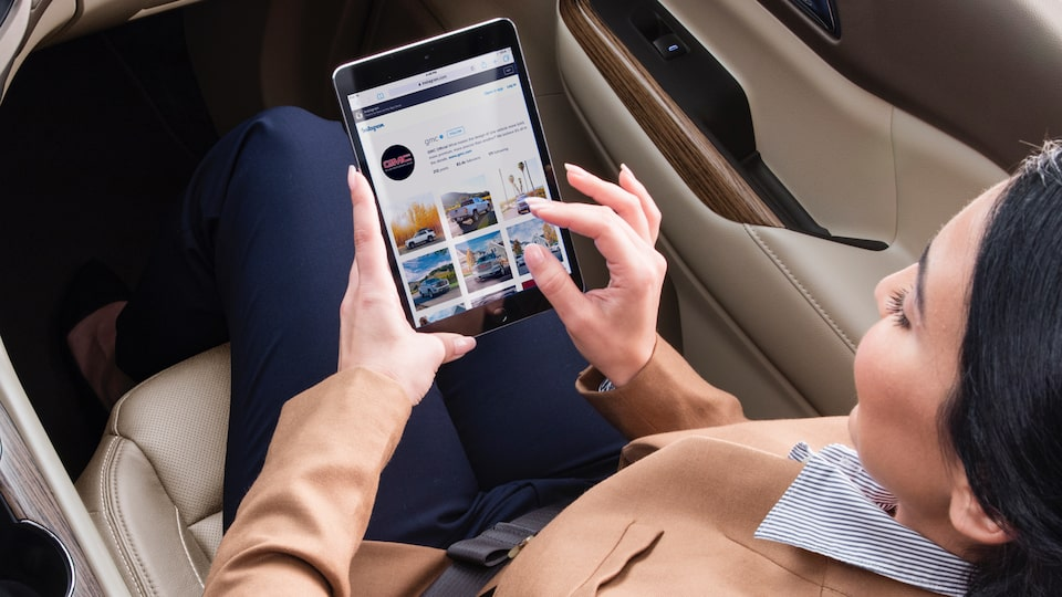 GMC and OnStar: Tablet using In-Vehicle Wi-Fi  Connectivity