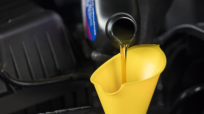 Selecting the correct oil type from GMC Certified Service