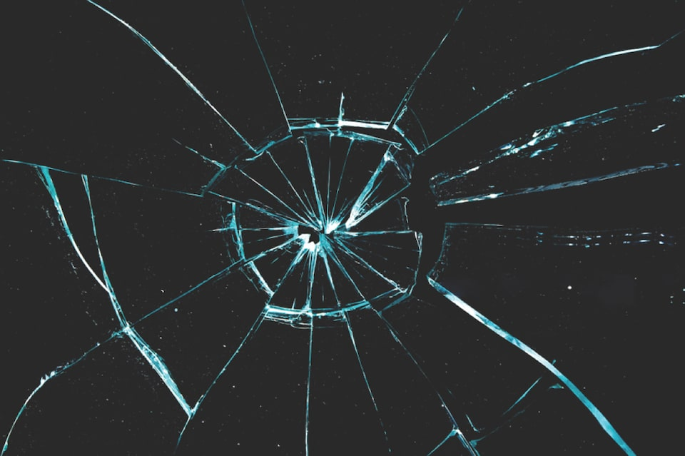 Cracked Glass and Spider covered by GMC XS Wear Lease Protection