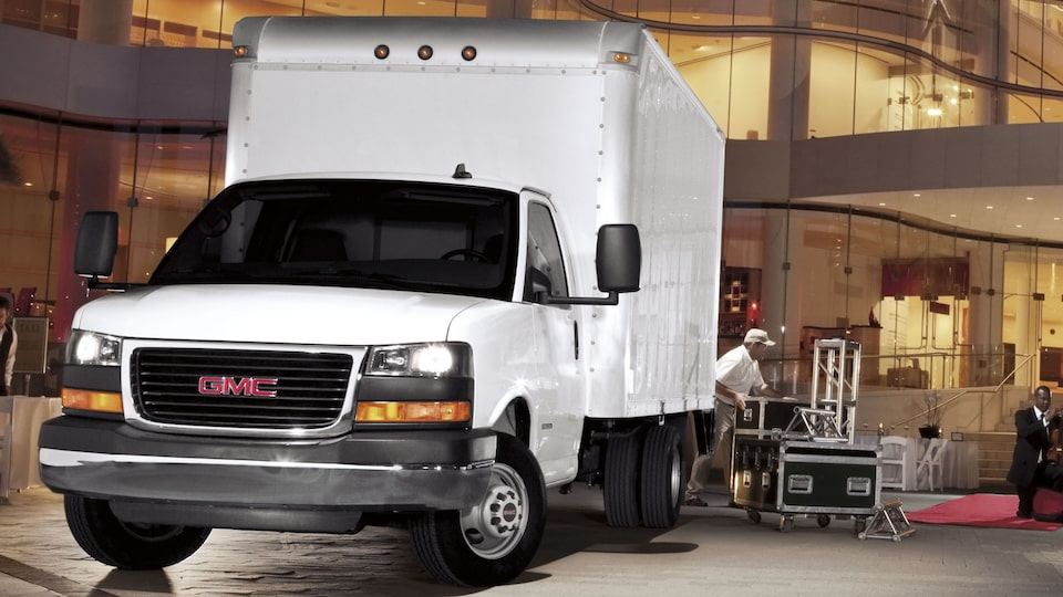 2020 GMC Savana Cutaway Van: rear vision camera