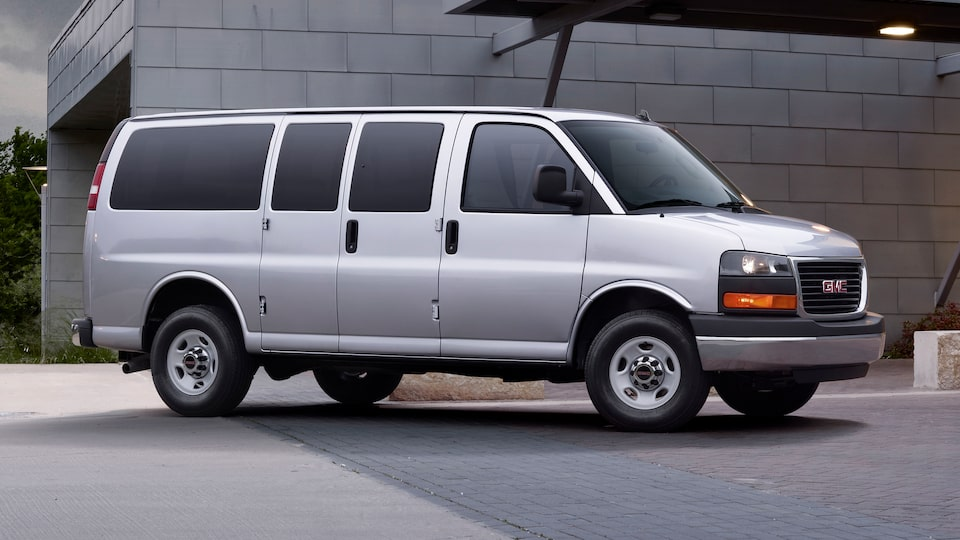 2020 GMC Savana Passenger Van: profile view