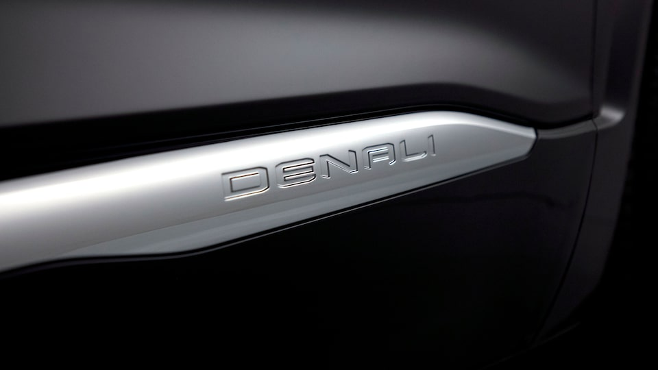Denali badge on the 2020 GMC Acadia Luxury SUV