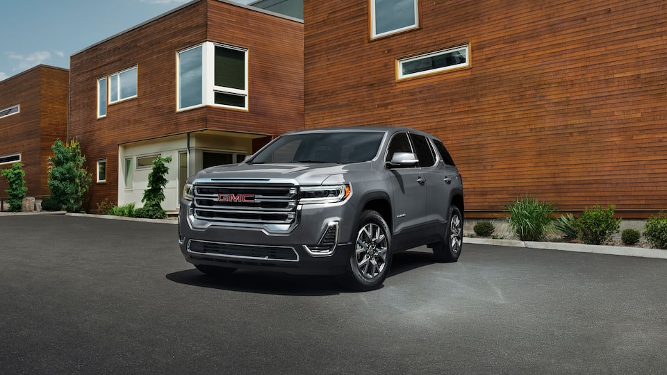 2020 GMC Acadia Mid-Size SUV: exterior front bumper & grille