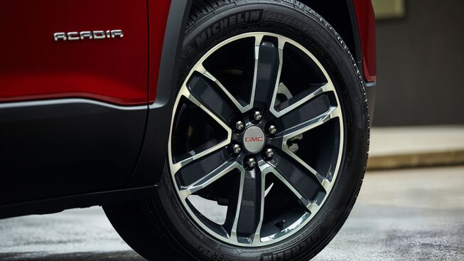 2020 GMC Acadia Mid-Size SUV: exterior wheel close-up view