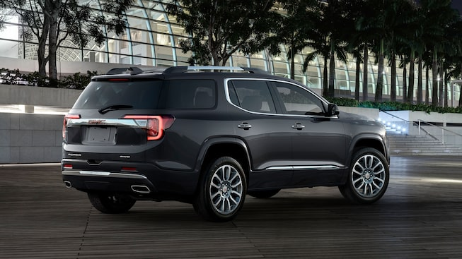2020 GMC Acadia Denali Luxury SUV: exterior rear angle view