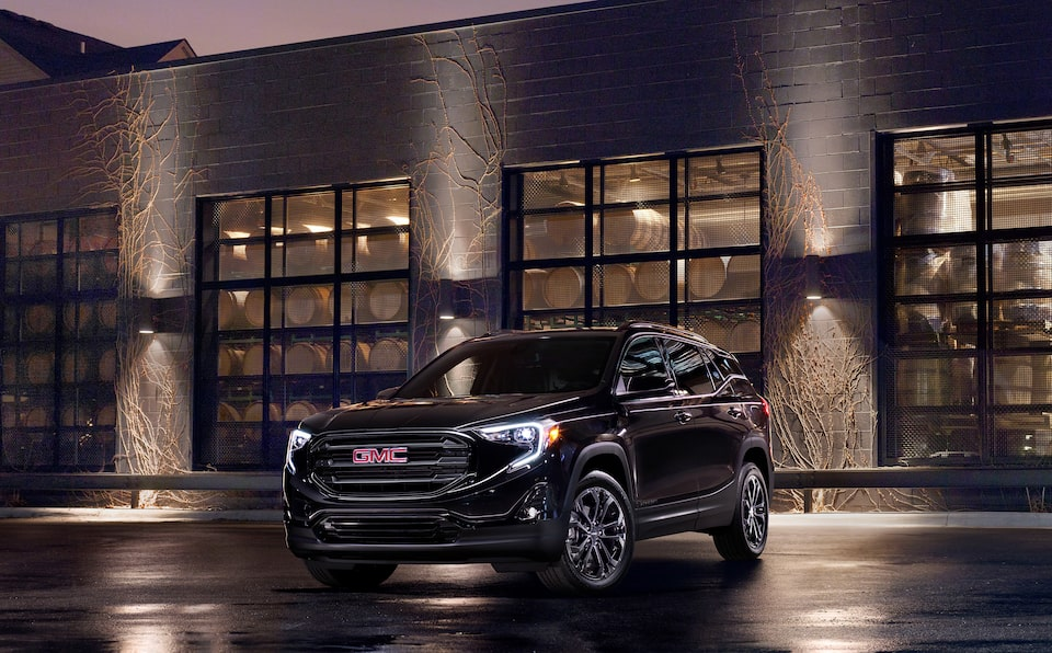 2020 GMC Terrain MOV Special Elevation Edition front side view night