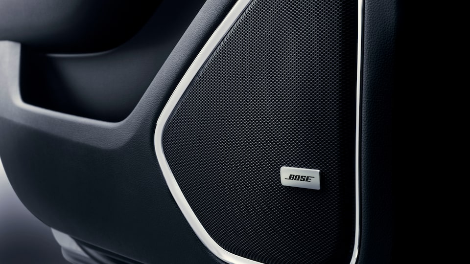 2020 GMC Yukon full size SUV technology features Bose sound system