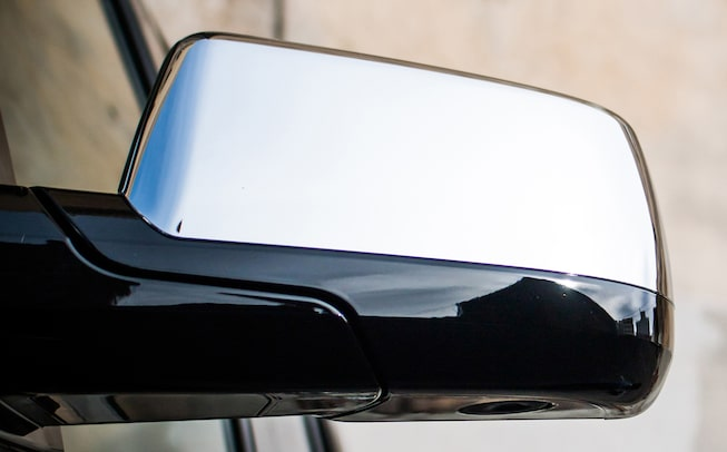 2020 GMC Yukon Denali Ultimate Black Edition full size SUV rear view mirror image