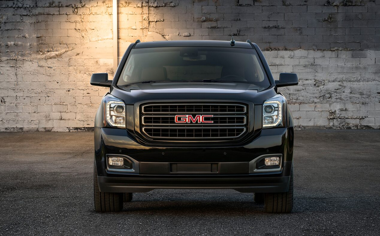 2020 GMC Yukon full size SUV special edition graphite front view