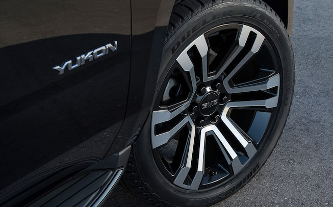 2020 GMC Yukon full size SUV special edition graphite wheel