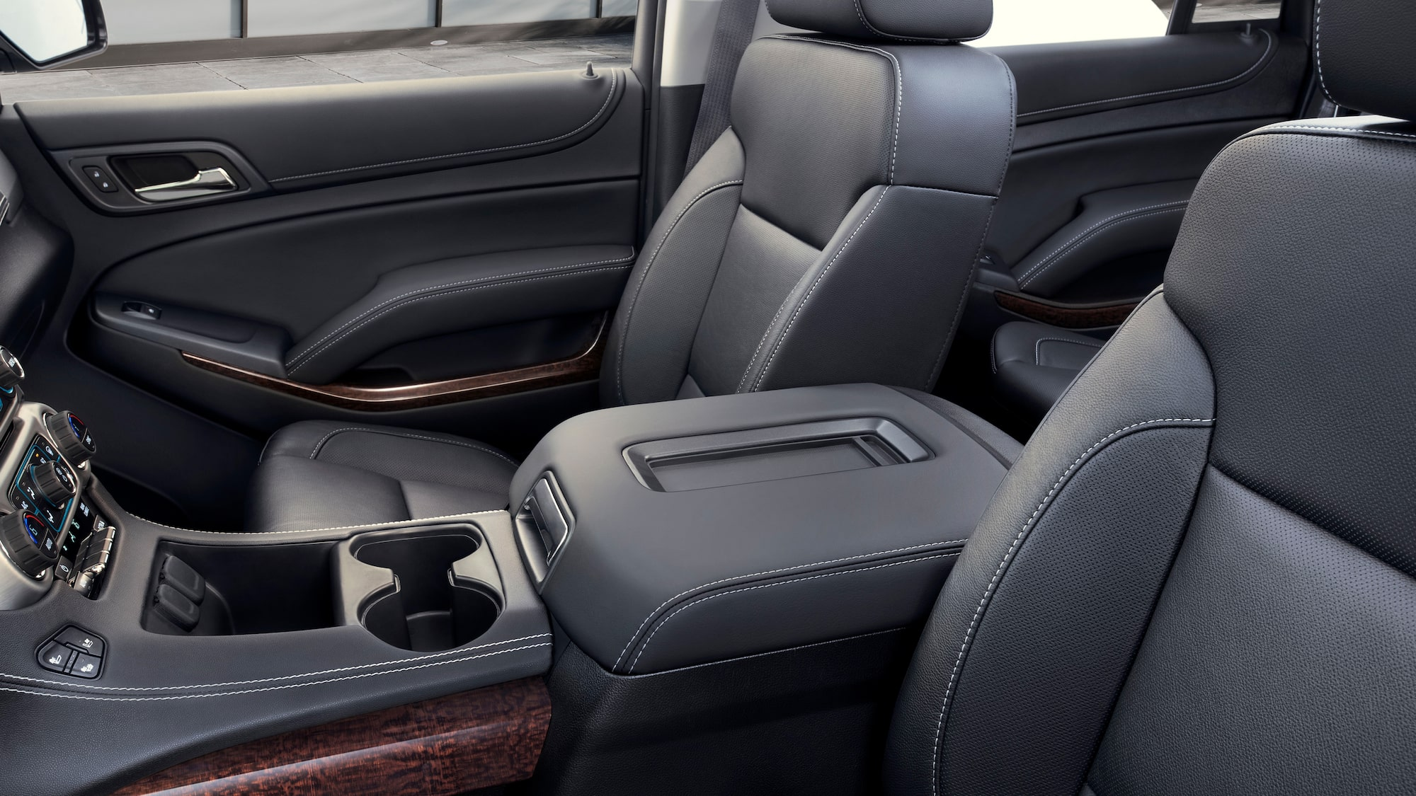 Interior Features 2020 Gmc Yukon Sle Slt Full Size Suv