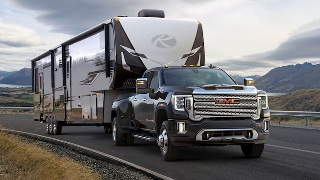 Next Generation Sierra HD Truck Exterior Photo: Front with Trailer