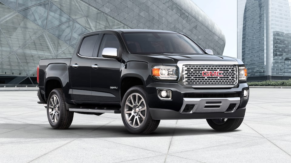 2020 GMC Canyon Luxury Small Pickup Truck Front Angle Building for Details Page