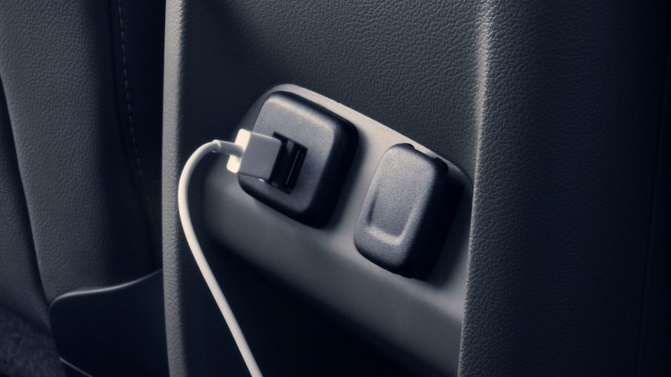2020 GMC Canyon Small Pickup Truck Technology Features Power Outlets