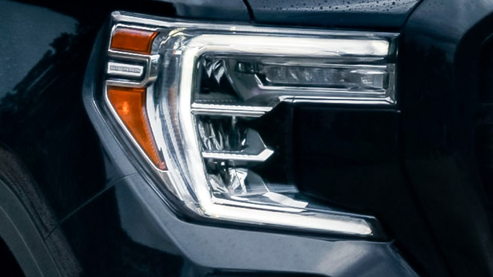 2020 Sierra AT4 Off Road Truck: LED headlamp