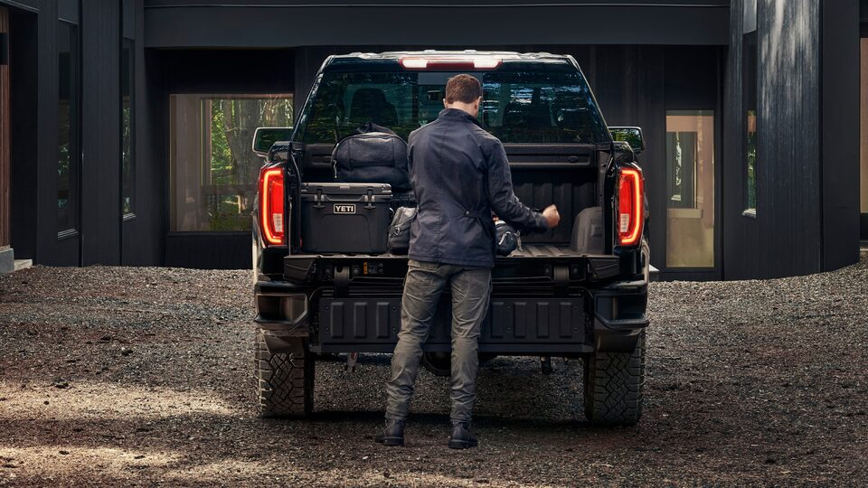 2020 GMC Sierra AT4 cargo bed with tailgate easy access