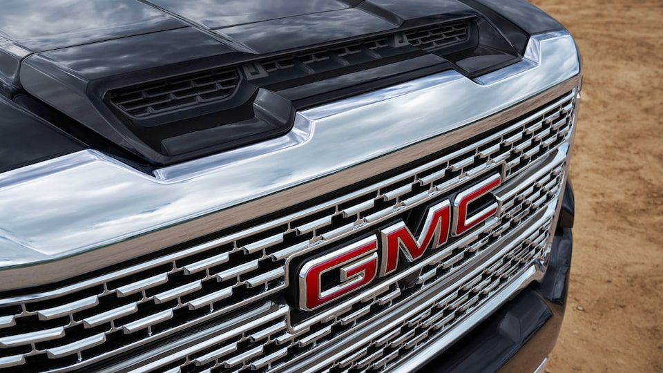 2020 GMC Sierra Denali HD Luxury Truck Front Grille Dual-Path Air Induction System