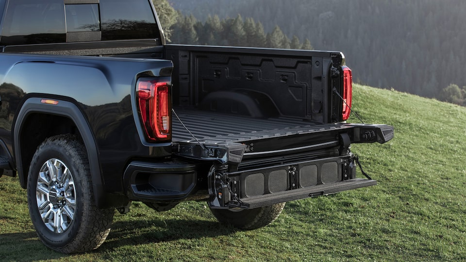 2020 GMC Sierra HD AT4 Off-Road Truck MultiPro Tailgate Full Width Step