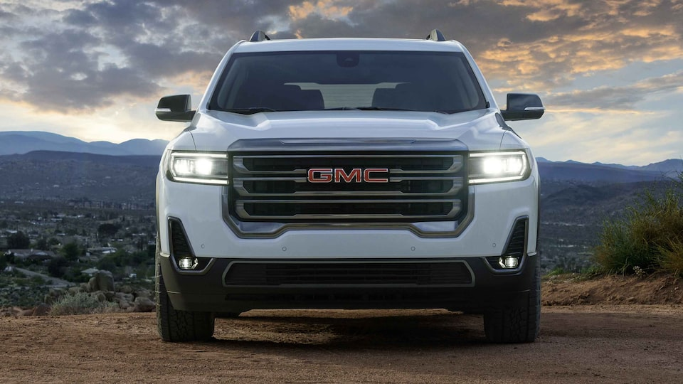 2021 GMC Acadia Mid-Size SUV Front Grille View