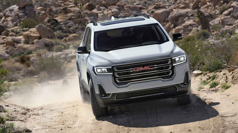 2021 GMC Acadia AT4 Off-Road SUV Front Grille View