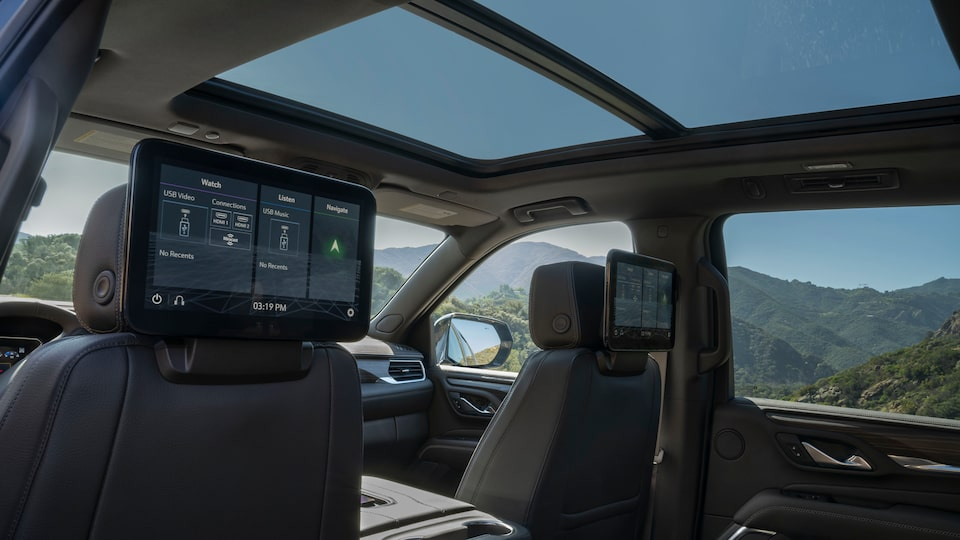 2021 GMC Yukon Full size SUV Interior Rear Seat Media Players