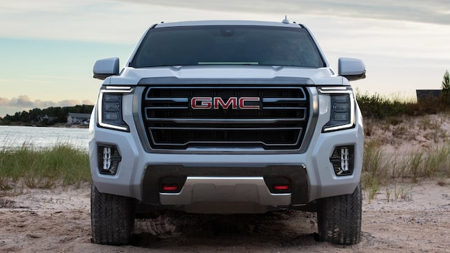 2021 GMC Yukon AT4 Off-Road SUV front grille