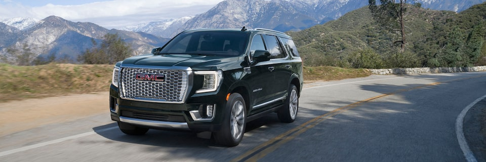 2021 GMC Yukon Full size SUV Front Side View