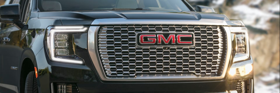 2021 GMC Yukon Full size SUV Front Grille View