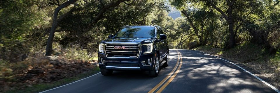 2021 GMC Yukon Full size SUV Exterior Front Side View