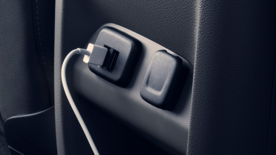 2021 GMC Canyon Small Truck with tech outlets