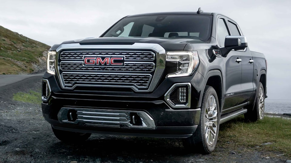2021 GMC Sierra 1500 Denali Luxury Truck Driver Front Side View
