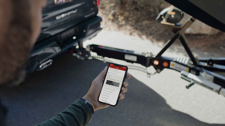 2021 GMC Sierra 1500 Pickup Truck with myGMC mobile app trailering features