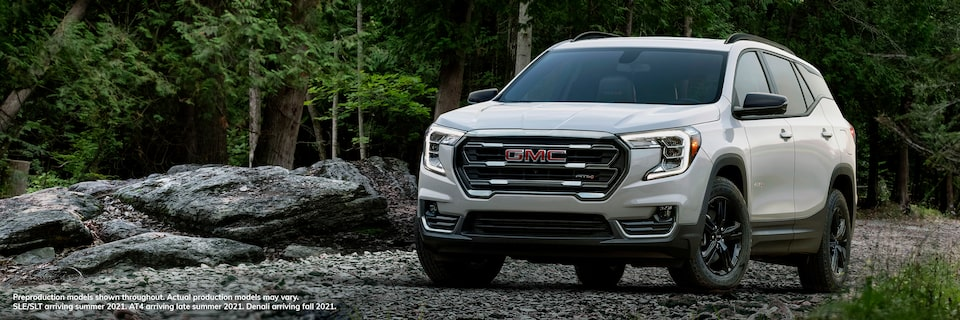 2022 GMC Terrain Small SUV front exterior view
